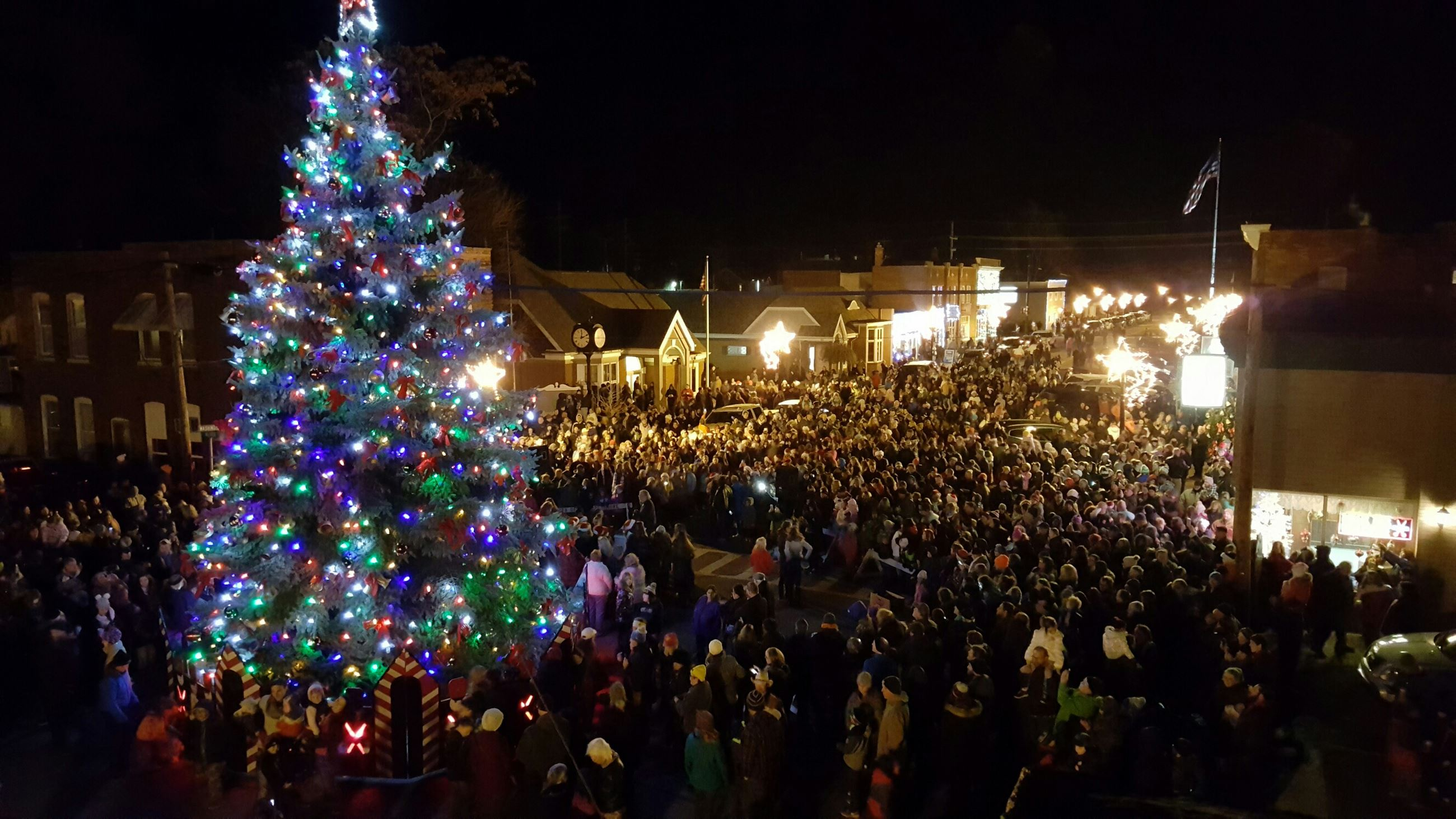 tree lighting 2 2016